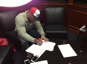 LaRon Landry signs with Colts